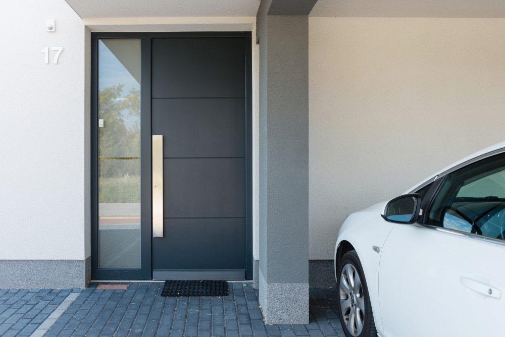 Nowoczesne drzwi panelowe zewnętrzne z doświetlem - bramtech.com.pl