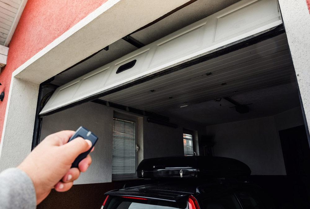 Prawidłowy montaż napędu do bramy garażowej - bramtech.com.pl